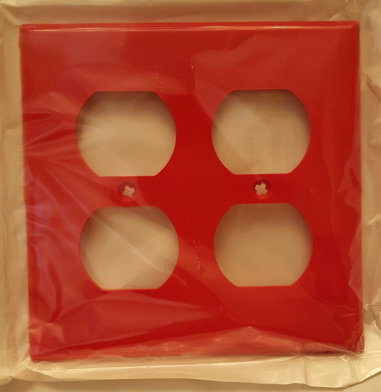 LEVITON 2-Gang Duplex Wallplate WALL PLATE RED 006-80716-00R