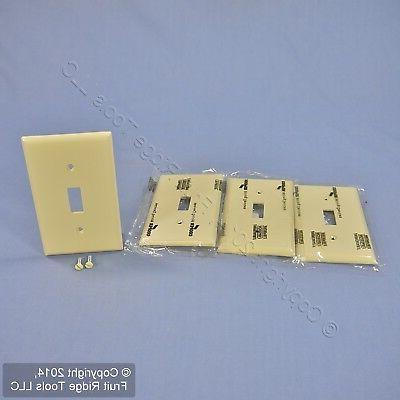 Cooper Wiring Nylon Wall Plate