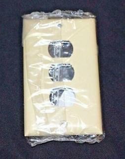 Legrand-Pass & Seymour Ivory Plastic Despard Wall Plate Thre